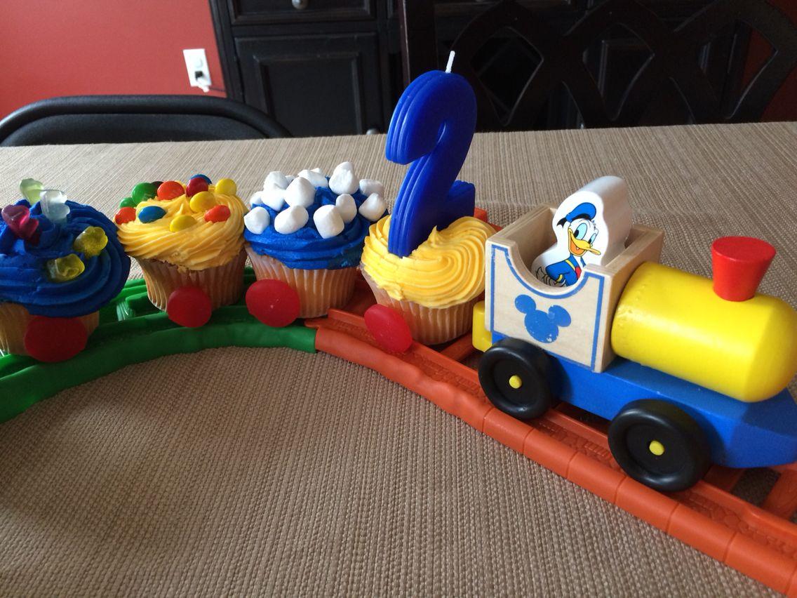 Donald Duck Cupcake Train