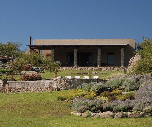 Paisajismo jardin ideas arquitectura sierras de - Jardines en casas de campo ...