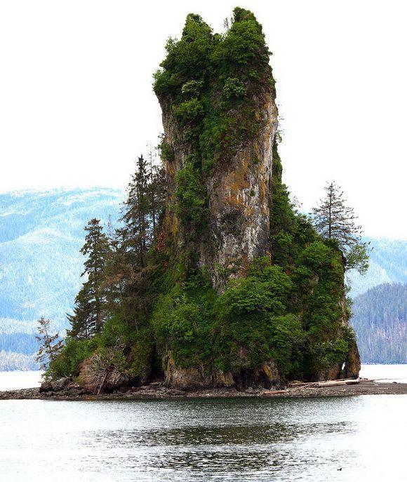 Unusual Rock Islets Around The World.