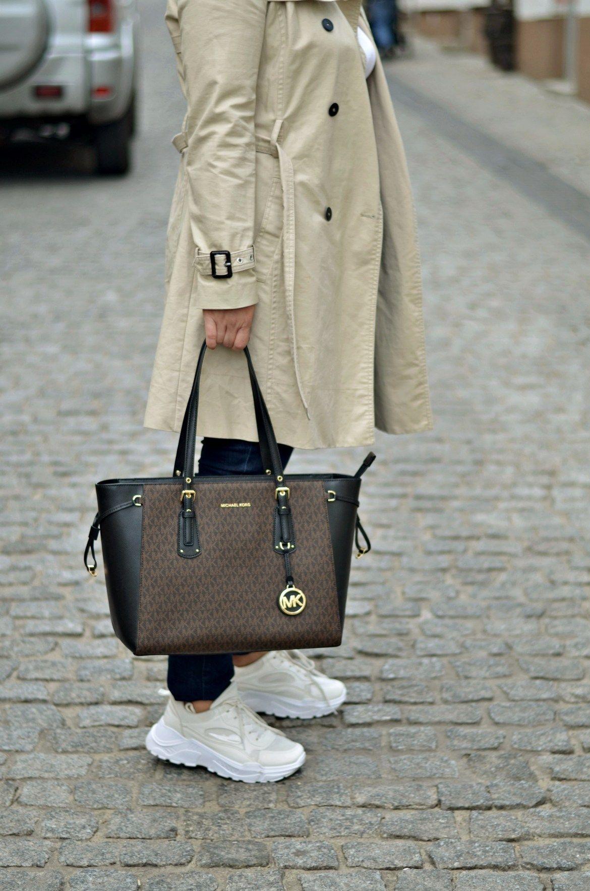 Sportowe Buty Typu Sneakers W Stylizacji Z Trenczem Sylwetta Coach Swagger Bag Coach Swagger Hermes Birkin