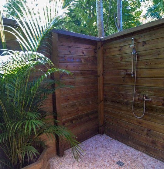 Bungalow location guadeloupe deshaies douche exterieure ca 32155 540 555 pixels - Salon de jardin guadeloupe ...