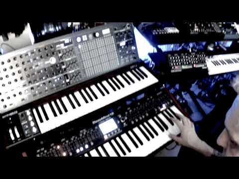 DeepMind 12, TR 8, Moog Mother 32, Korg minilogue | Analog | Piano