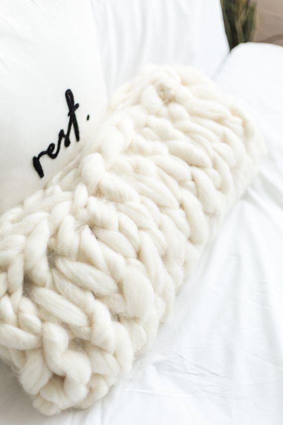 Ostrich Pillow Mini Comfortable Desk Rest Arm Glove Pillow Flight