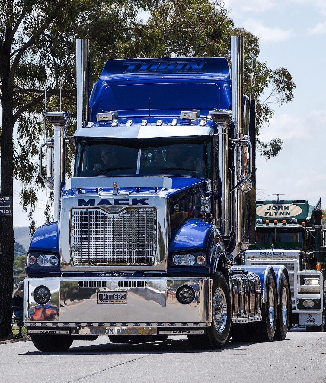 tobins wilsonanton mack truck macktrucksaustralia lightsonthehill2018 macktrucks [ 1080 x 1267 Pixel ]