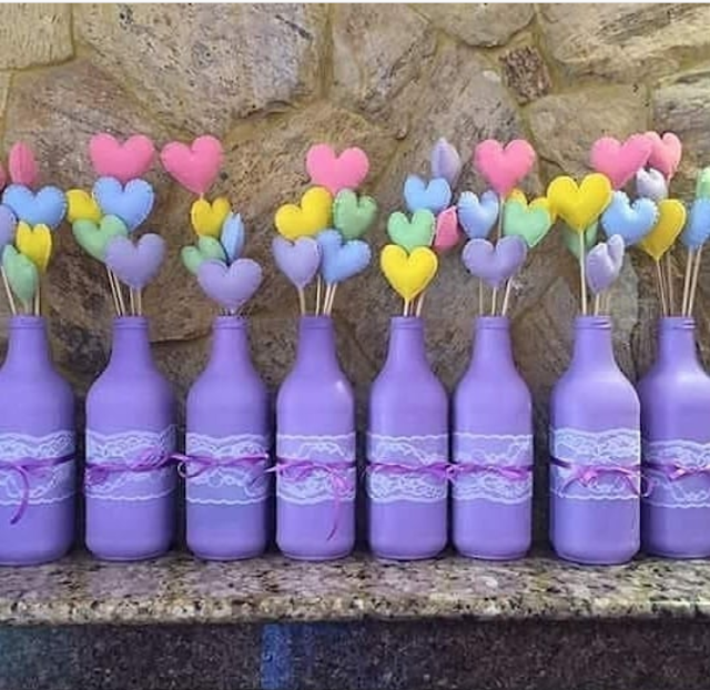 15 Ideas Para Reciclar Y Decorar Botellas Bottle Crafts Valentine Flower Arrangements Bridal Shower Balloons