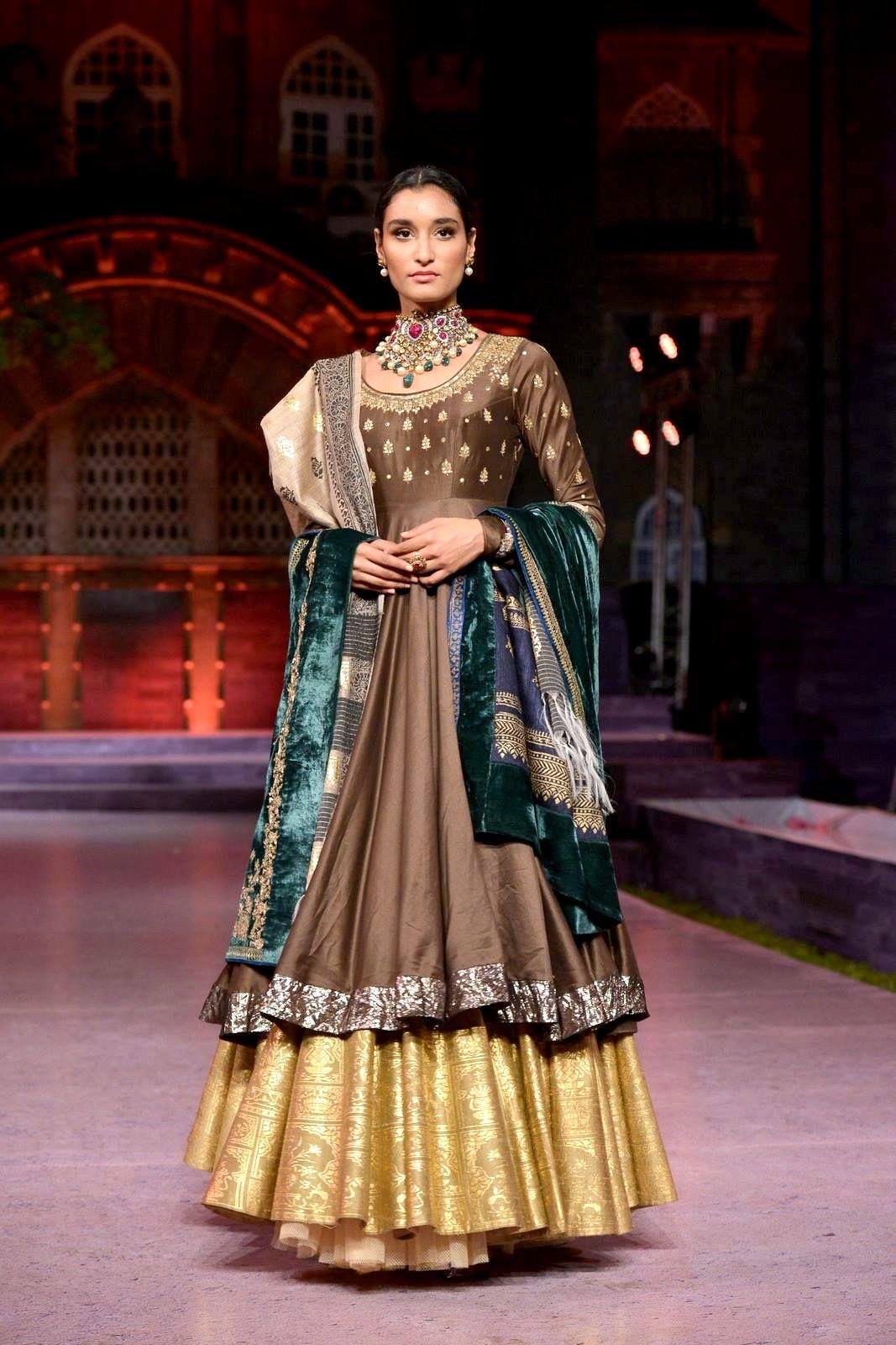 Anju Modi Collection Designer Dresses Indian Indian Outfits Indian Designer Wear