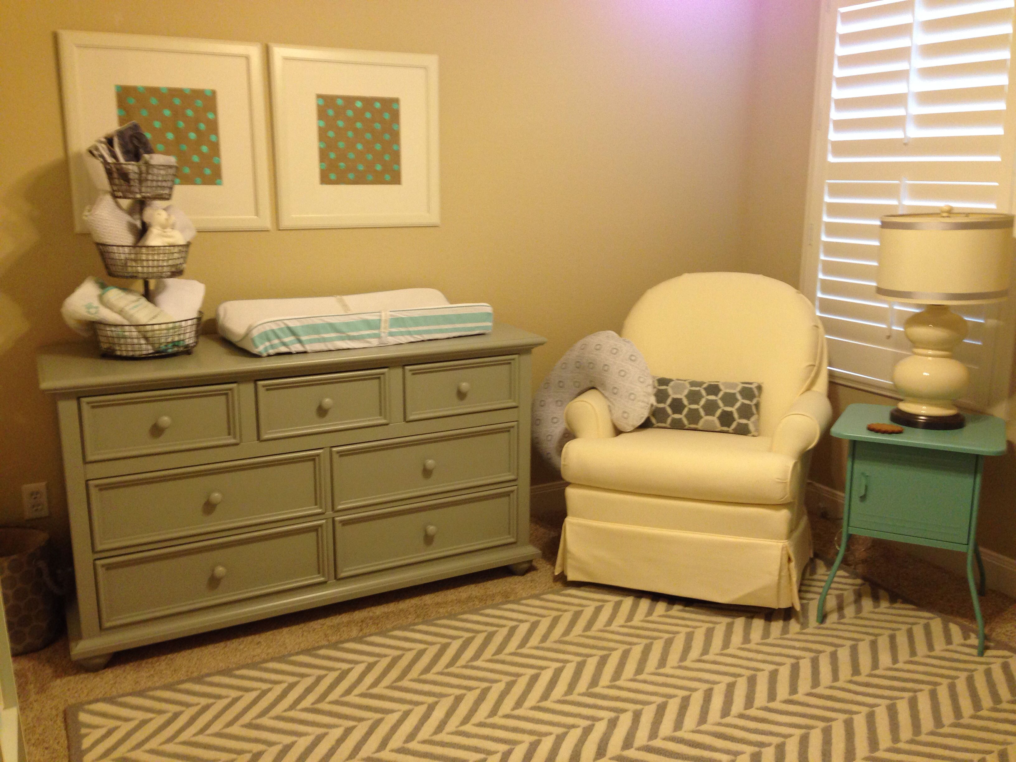 Baby Hayden s room Pottery Barn Houndstooth rug and Young America