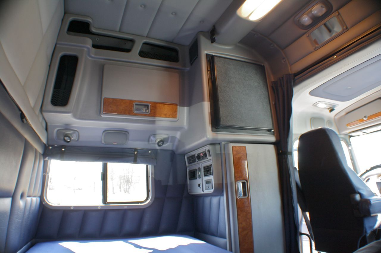 volvo semi truck sleeper 60 inch interior - Google Search ...