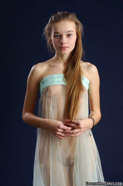 Amateur pics nude girl petticoat fucking