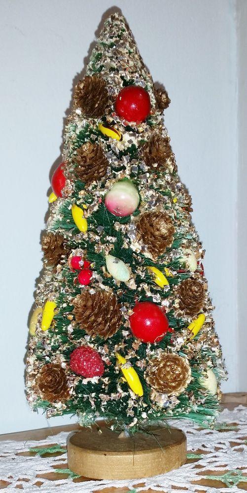 Vintage BOTTLE BRUSH FLOCKED CHRISTMAS TREE  WREATH w/ Fruit