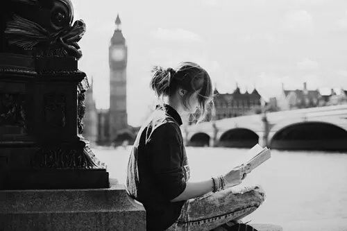 Women Reading Photo 旅 イギリス