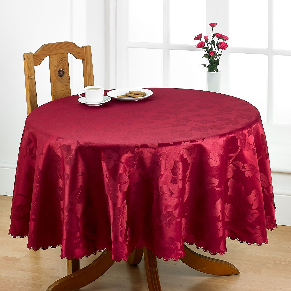Pin By Betterdreams On Betterdreams Italian Al Fresco Pvc Wipe Clean Gingham Check Polka Dot Easy Care Damask Scalloped Edged Table Linen Table Cloths Table Cloth Table Linens Linen