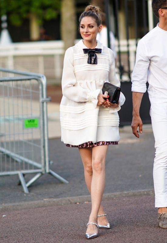 El día que Olivia Palermo triunfó llevando vestido y falda en el mismo look