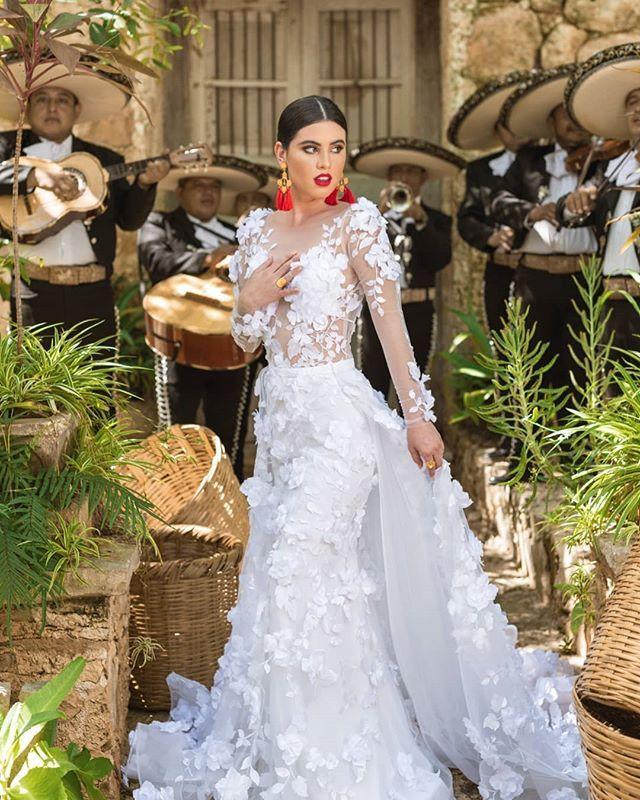 """Cintya Ruz on Instagram: """"El orgullo mexicano se hizo presente en nuestra moda, un homenaje a nuestras raíces y nuestra historia con un toque romántico y…""""  – Boda"""