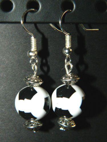 Handmade-Acrylic-Soccer-Ball-Silver-DANGLE-Pierced-EARRINGS-New-Sports-Balls