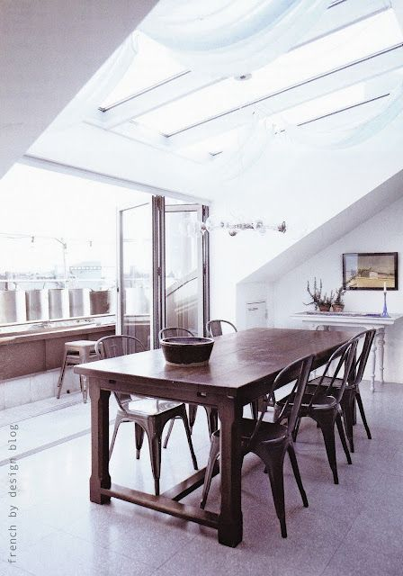 Stockholm flat : refurbished table and great balcony.