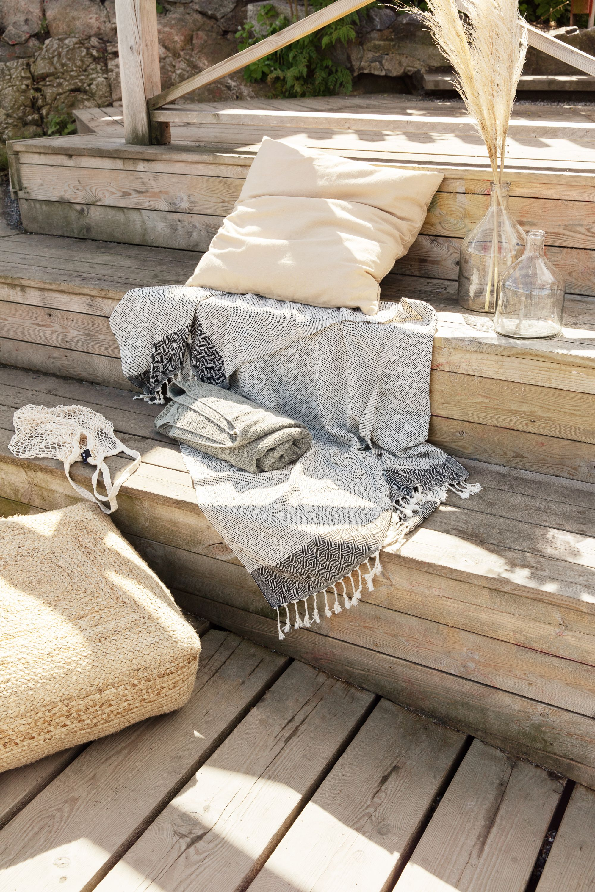 Lounge Kissen 60x60 Finally, Time To Lounge On The Terrace Or The Pier. Soften Up A Hard Surface, Bring Out Our Hamam Towels, The New 60x60 Pillow And The Jute Pouf… | Bauwagen, Design