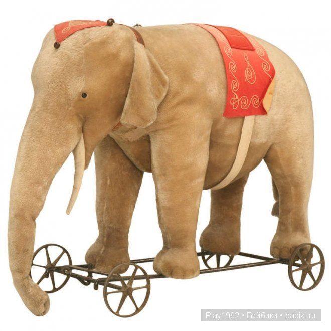 слон на колесах
