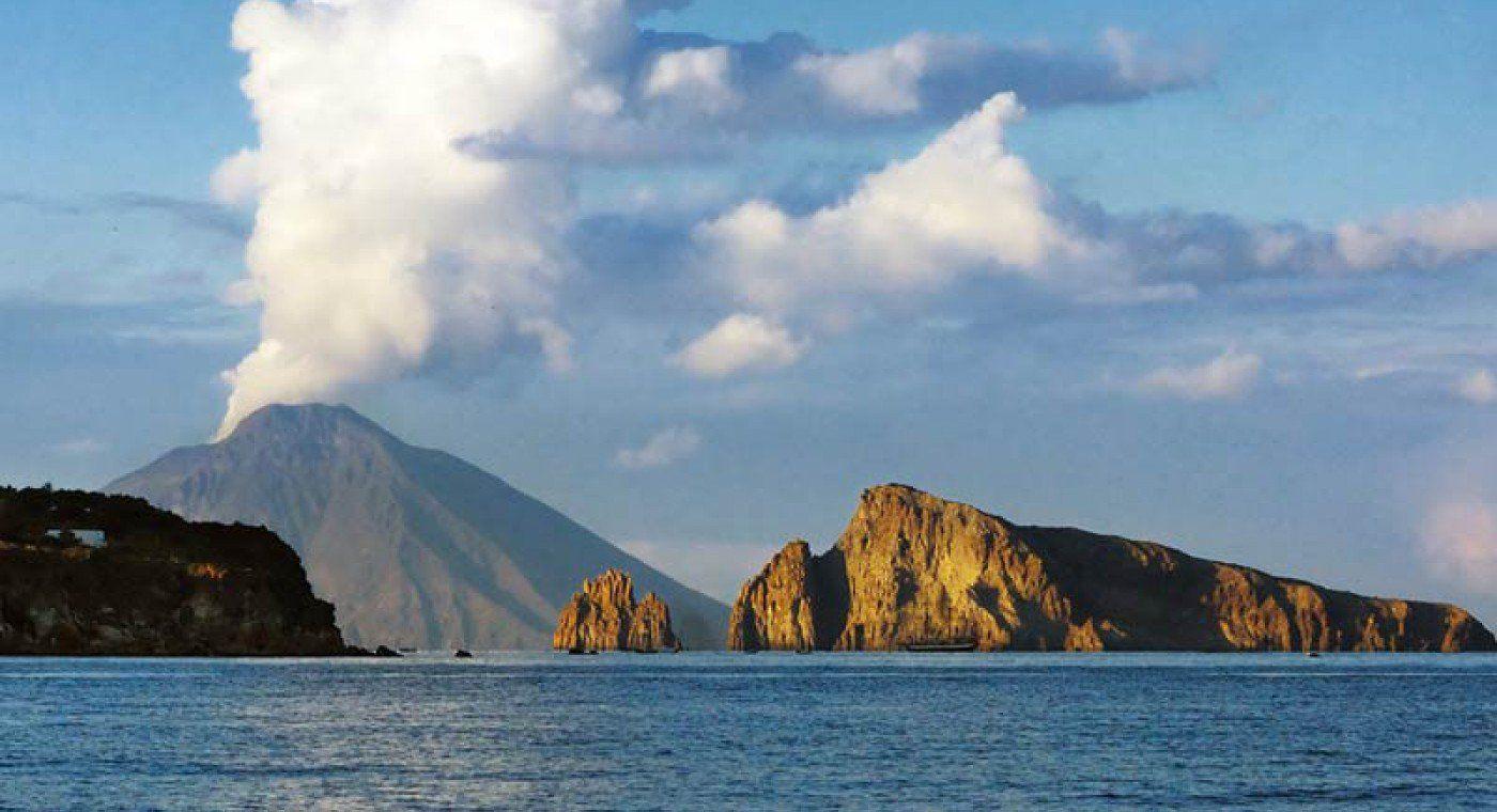 Aeolian Islands Tour: Panarea & Stromboli by Night