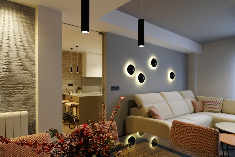 Sal n comedor de dise o moderno iluminaci n mediante for Imitacion replica lamparas diseno