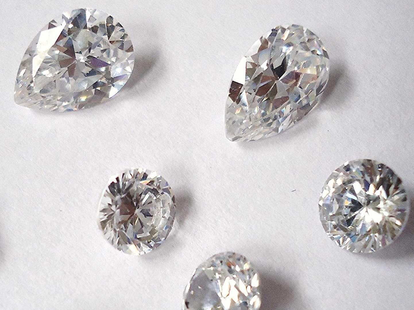 How To Tell If A Diamond Is Real Or Fake Diamond Fake Diamond Gemstones