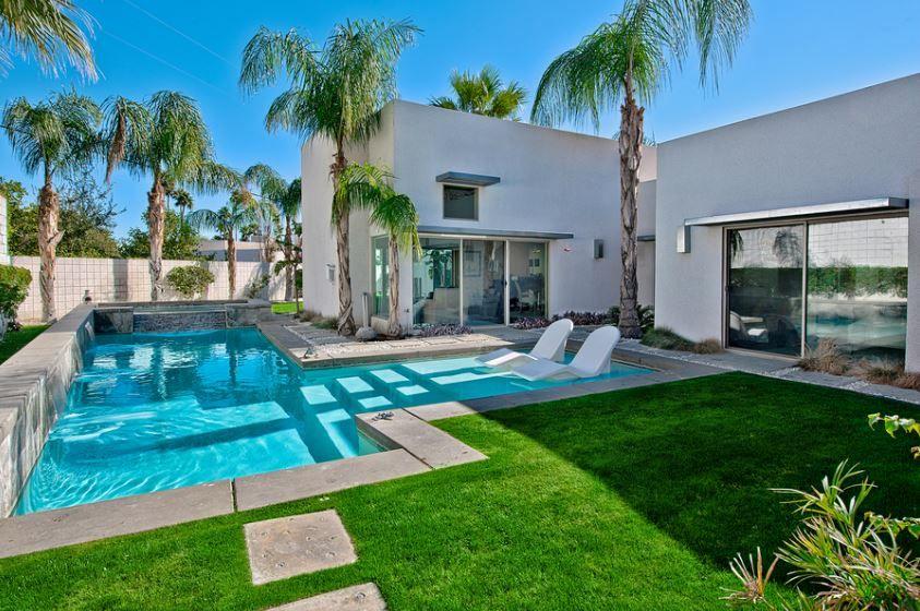 piscine de luxe pour une r sidence de prestige outdoor pinterest piscines de luxe. Black Bedroom Furniture Sets. Home Design Ideas