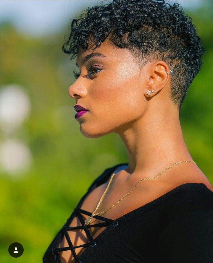 20+ Coiffure femme noire cheveux courts naturels idees en 2021