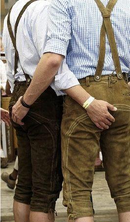 In lederhosen schwul männer Lederhose beim