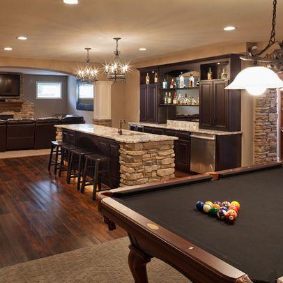 Mi sótano tiene una bar y una mesa de billar Mesa billar - cocinas grandes de lujo