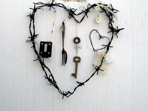 rusty barbed wire heart | Lets Get Our Craft On! | Pinterest | Wire ...
