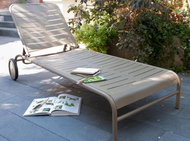 40 Chaises Longues Et Transats Pour Un Ete Relax Elle Decoration Bain De Soleil Chaise Longue Jardin Transat