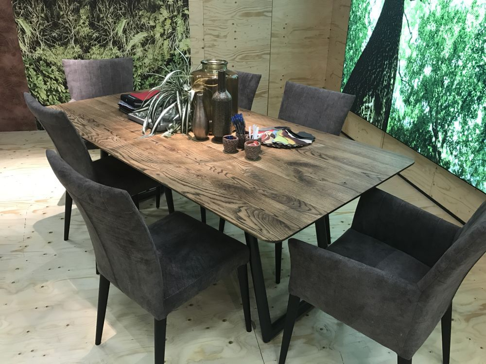 A Few Guidelines For Picking Great Dining Table Centerpieces Outdoor Dining Furniture Dining Furniture Makeover Dining Table Centerpiece