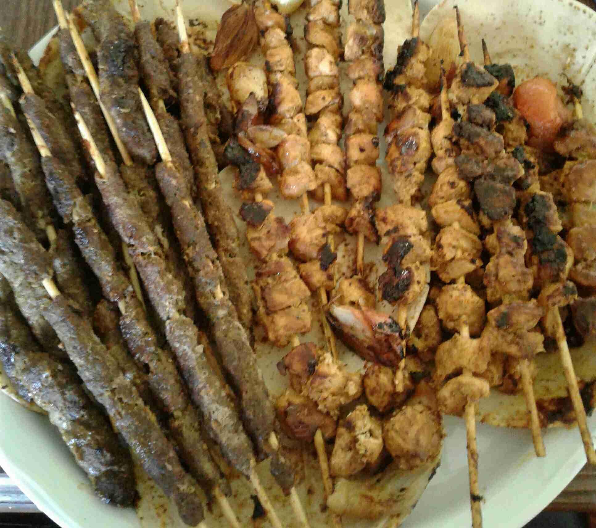 مشاوي كباب وشيش طاووق في البيت وأطيب من المطاعم دورة طبخ زاكي Recipe Main Dishes Food Dishes