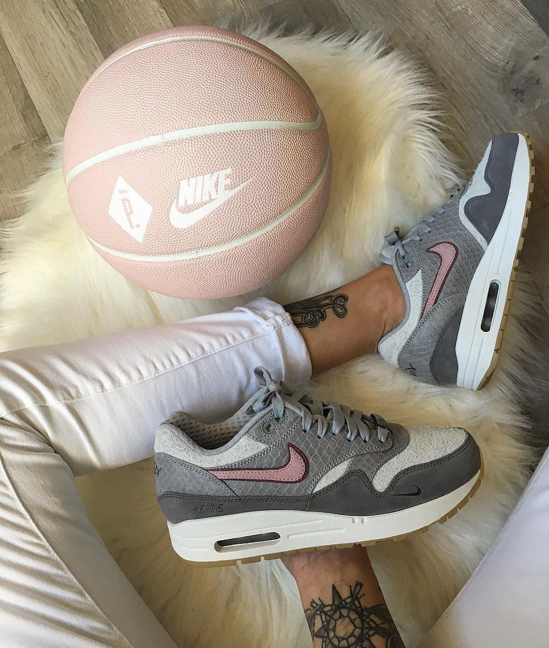 footwear outlet store uk cheap sale Nike Air Max 1 x Paris Bespoke @celouuuuuuuu | Nike Air Max ...