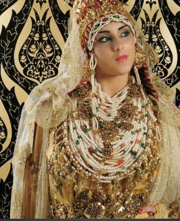 Dit Is Een Marokaanse Bruidskleding Moroccan Bride Moroccan Wedding Bride Beauty