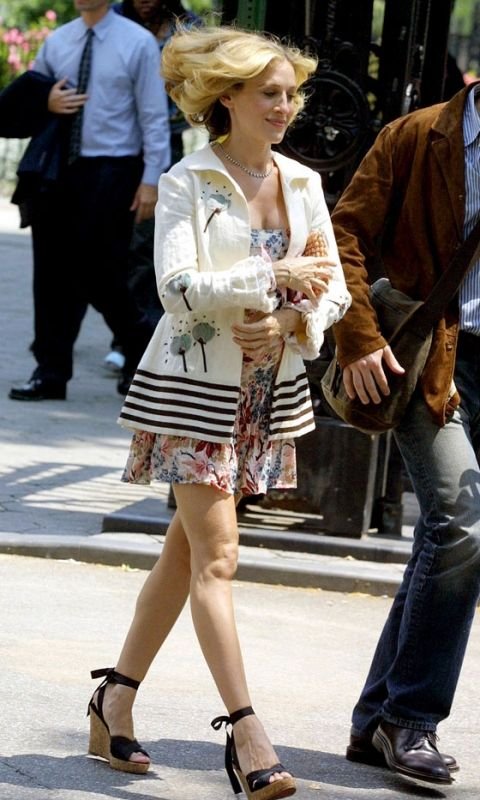 Sex And The City: Carrie Bradshaw's Memorable Fashion ...