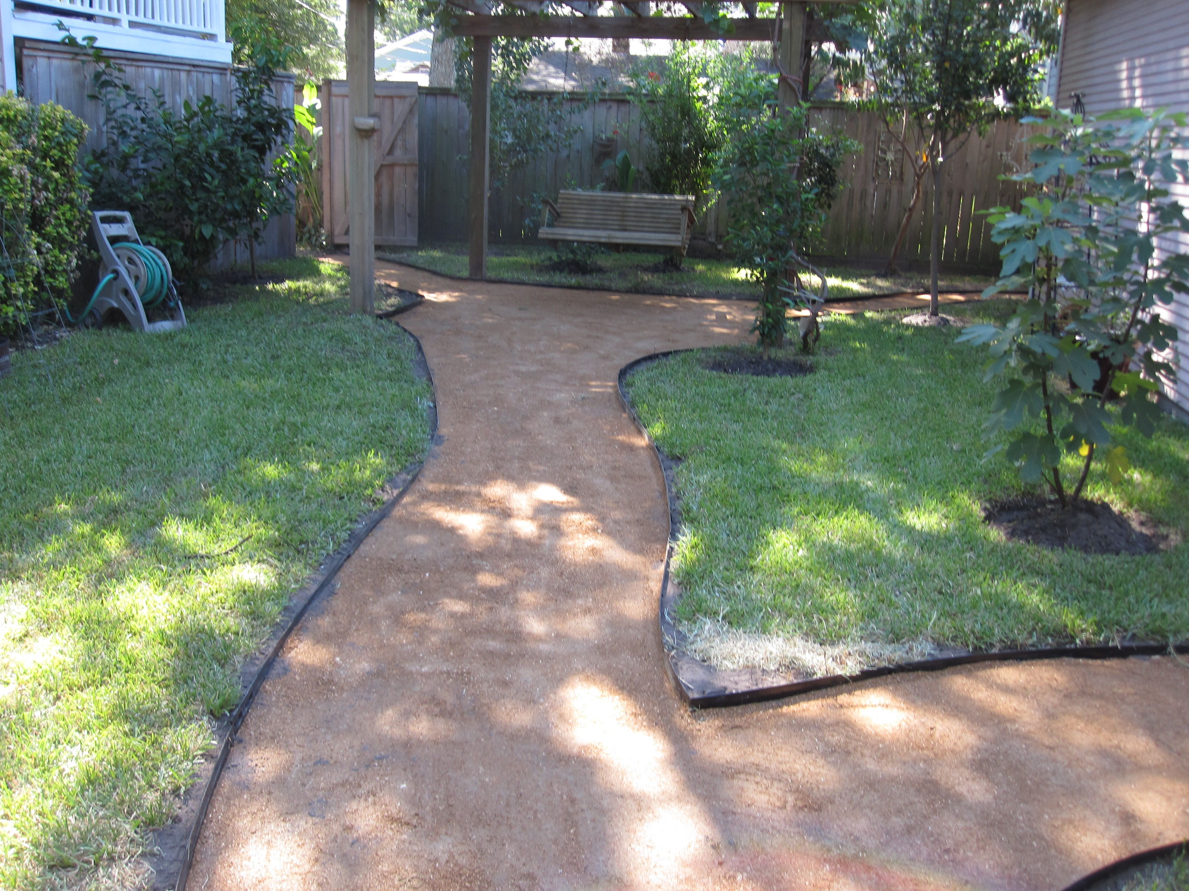 How to make a decomposed granite path. | Garden paths ... on Decomposed Granite Backyard Ideas id=63471