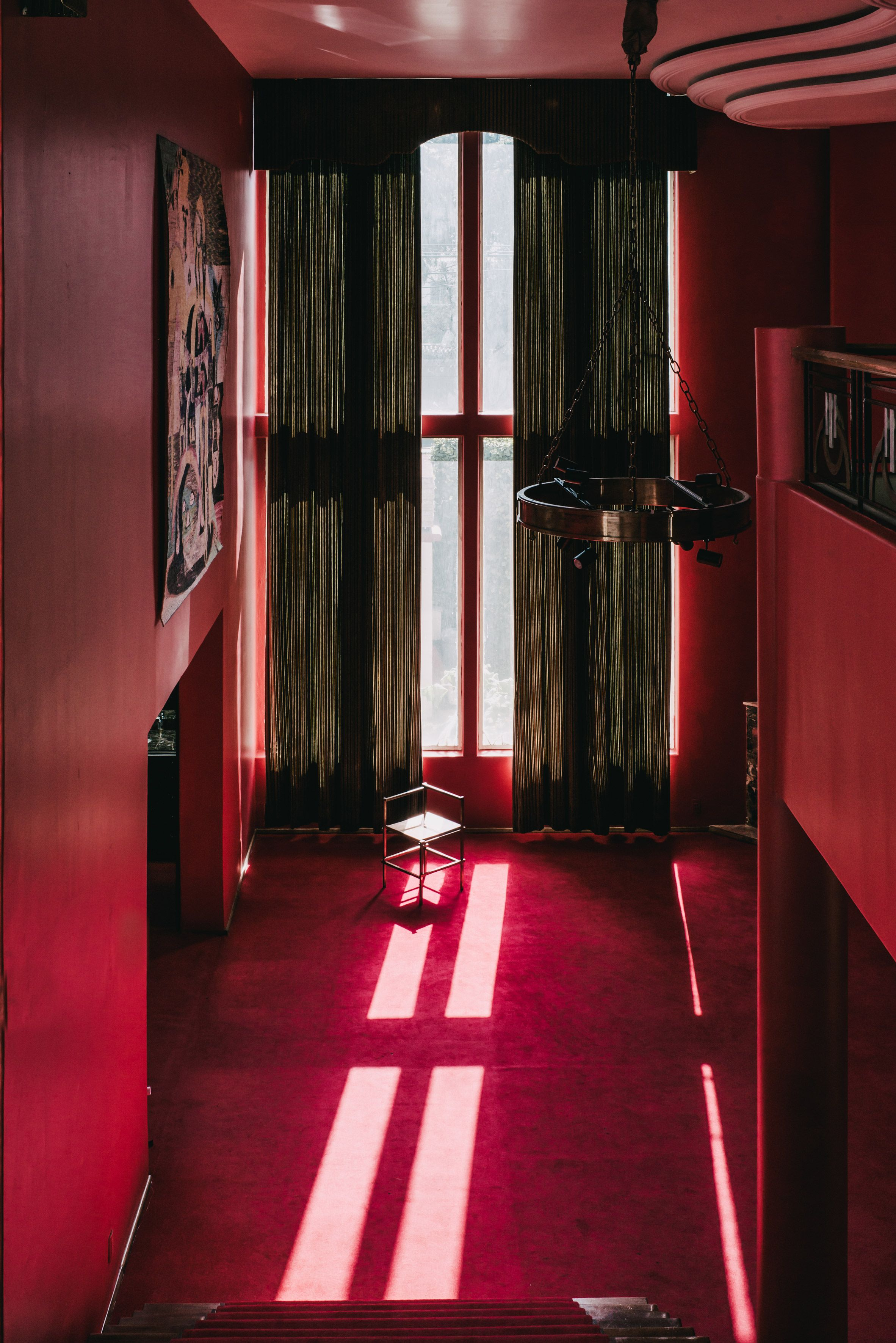 Mexico City Mansion Provides Setting For Masa Gallery Exhibit Mansions Mexico City Colorful Interiors