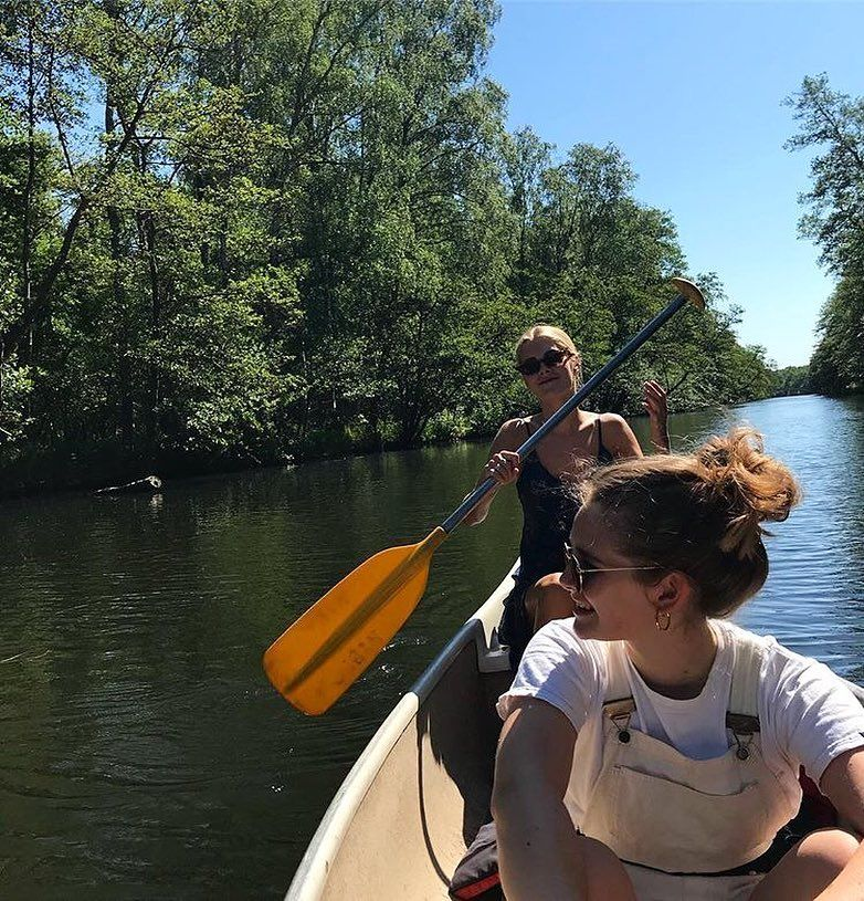 ", PETITECHERIEE on Instagram: ""Ballade au bord du fleuve 🛶"", Travel Couple, Travel Couple"