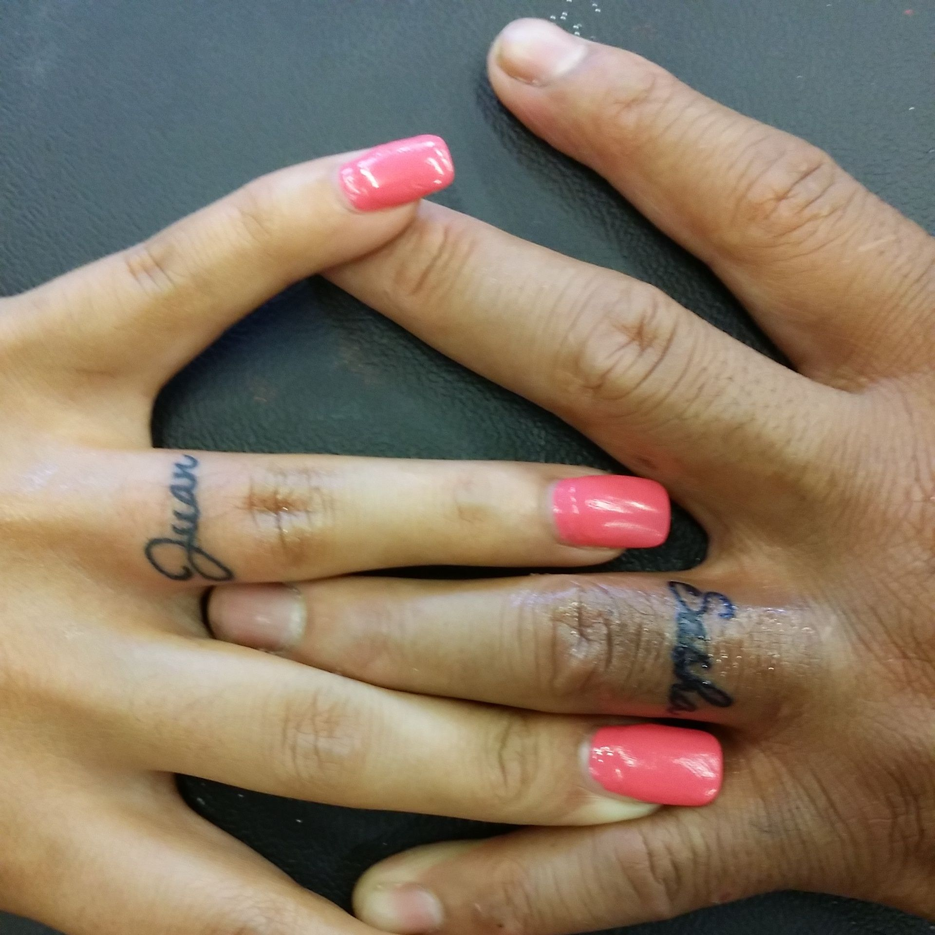 name on finger tattoos done by kristin inkaholics gainesville ga place to go for tattoos and. Black Bedroom Furniture Sets. Home Design Ideas
