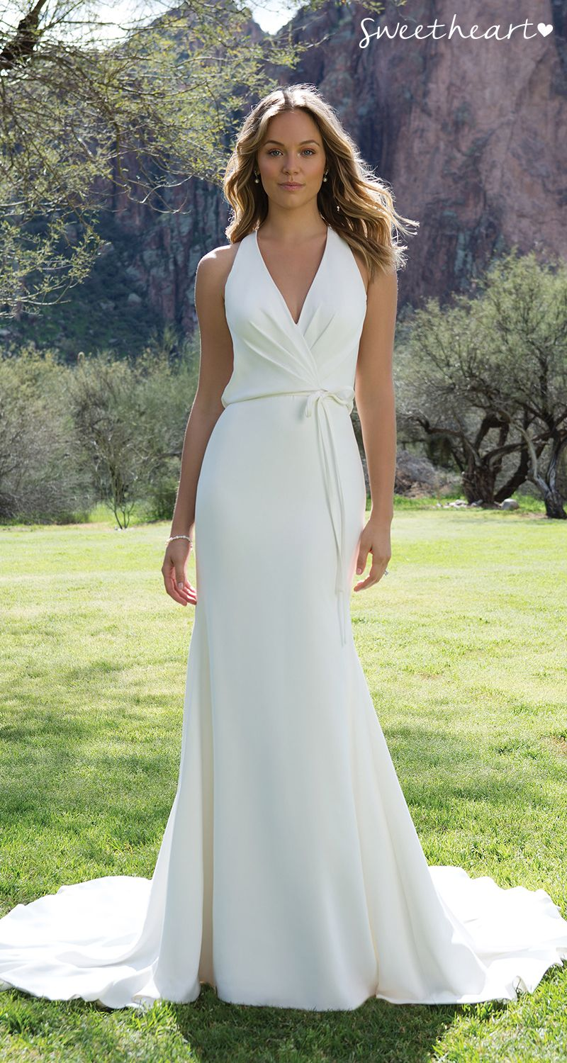 Style 1133 Stand out in this crepe halter with cowl back