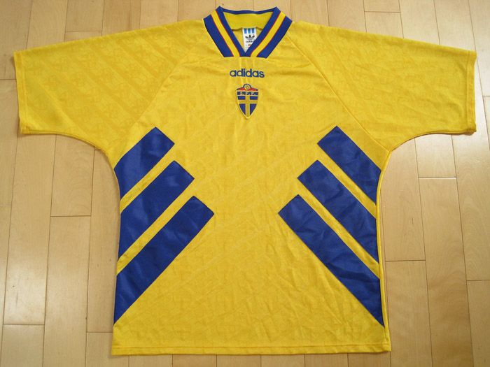 e3945b0033d WOW!! 1994 vintage SWEDEN national SOCCER JERSEY shirt SWEDISH ...