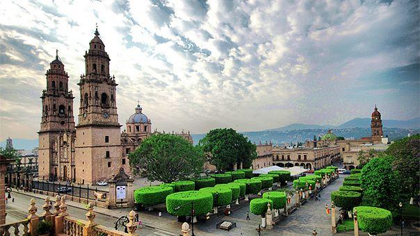 Soy nacida en Morelia pero viví gran parte de mi vida en Apatzingán hasta que me vine a estudiar la universidad a Morelia.
