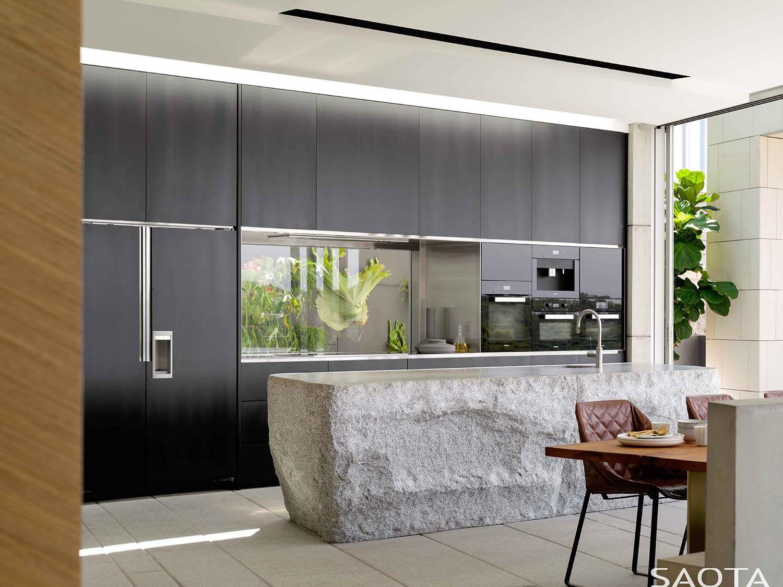 Concrete Home With Fantastic Design Features Overlooks The Sydney Harbor Kitchen Design Modern Kitchen Kitchen Renovation