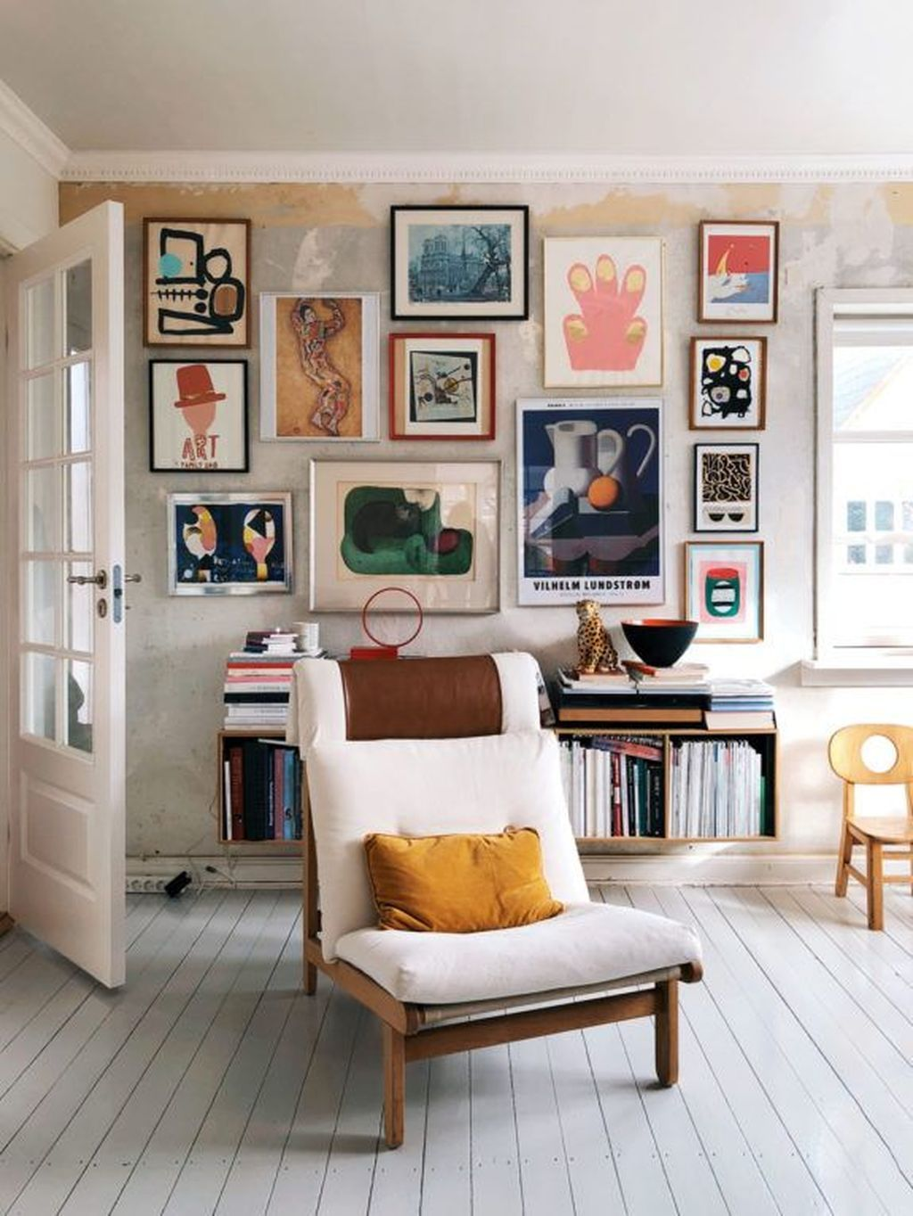 30 Beautiful Gallery Wall Decor Ideas To Show Photos Makkelijke Huis Decoratie Huis Interieur Huis Interieur Design