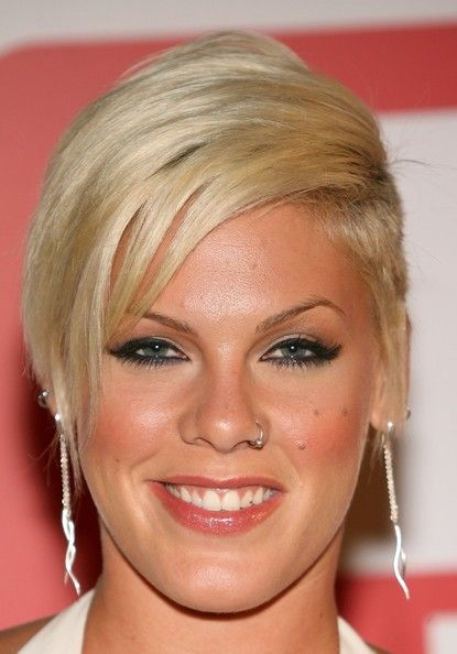 Pink Combover Celebrity Short Hair Pink Singer Hairstyles Pink Singer