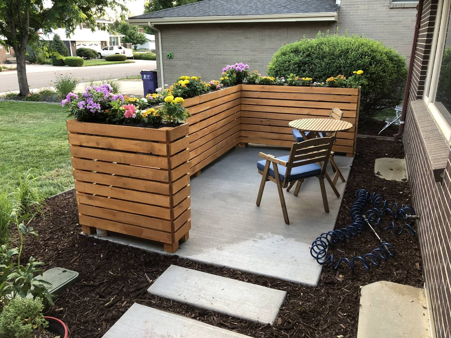 I Built A Slatted Privacy Planter Fence In My Front Yard During Some Time Off For The 4th Of July Album On I Front Yard Planters Yard Planters Patio Fence