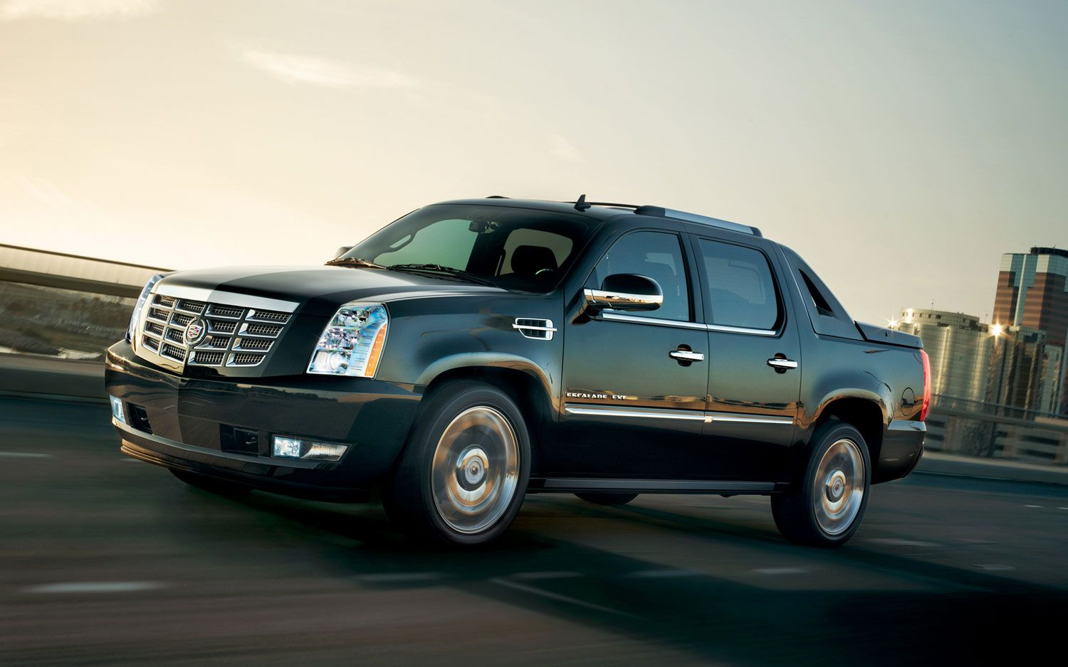2013 cadillac escalade ext premium front three quarter motion photo on january 4 2013