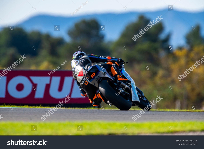 VALENCIA, SPAIN - NOVEMBER 17: Luca Marini during Valencia Moto2 2019 at  Ricardo Tormo Circuit on November 17, 201 #Spons… in 2020 | Valencia,  Valencia spain, Photo editing