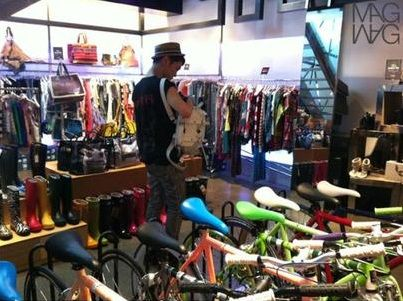 Oddness/Weirdness: Shinee's Key Caught Shopping 120725